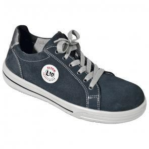 Schuhe & Sandalen